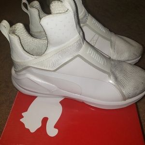 Used 2x White Puma in great condition